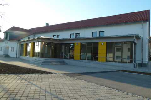 Festhalle in Nellingen. WDV-System und Bossenoptik