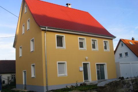 Haus nach Renvierung: WDV-System mit Farbgestaltung