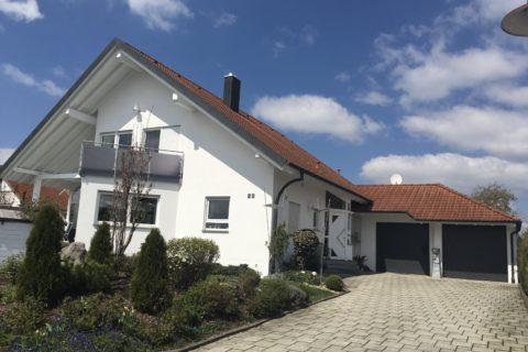 Renovierung der Fassade und des Dachgesims